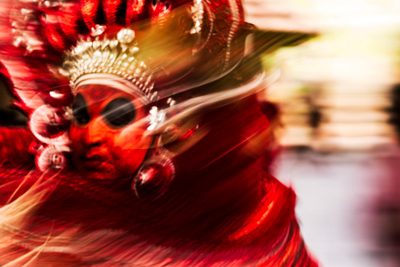 theyyam-sacred-ritual-kerala-india-sarah-hickson-3606